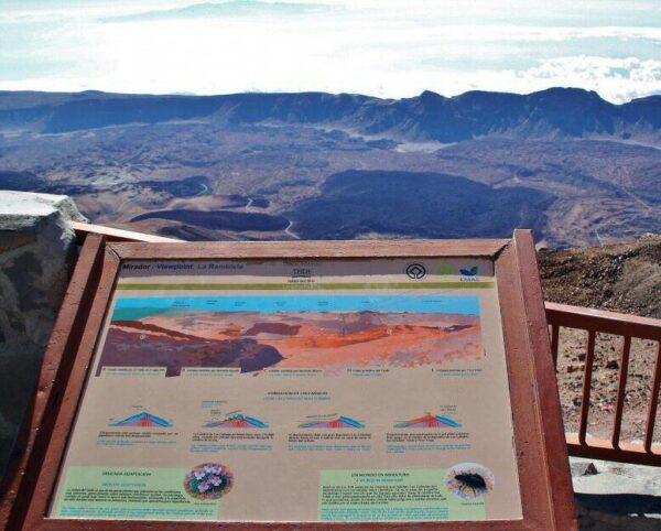 Vistas desde el mirador de la estación superior del teleférico del Teide