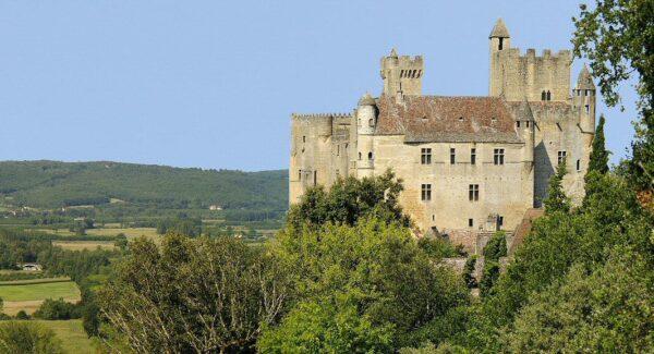 Castillo de Beynac en Dordoña-Périgord en Francia