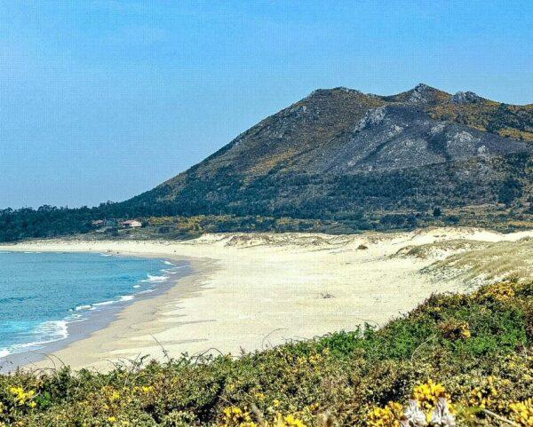 Playa de Carnota en A Coruña en Galicia @marta arias