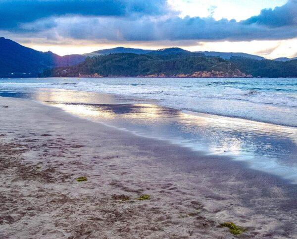 Playa de Morouzos en provincia de A Coruña en Galicia