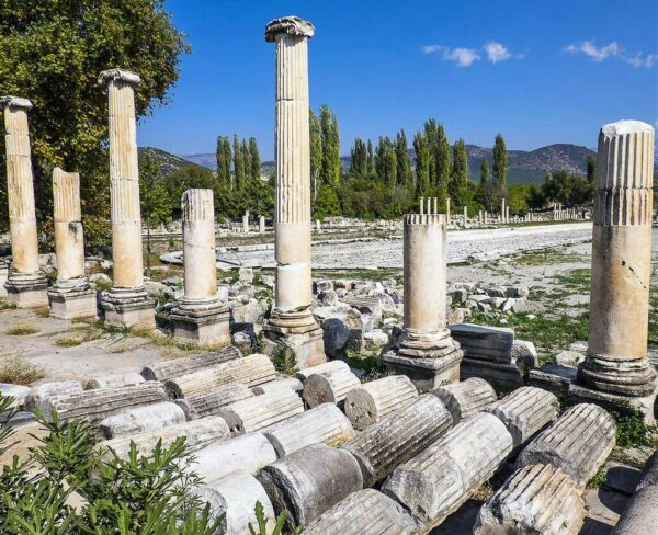 Pórtico de Tiberio en Afrodisias en Turquía
