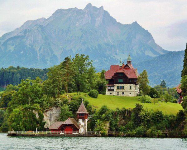 Paisaje en el Lago de Lucerna en Suiza