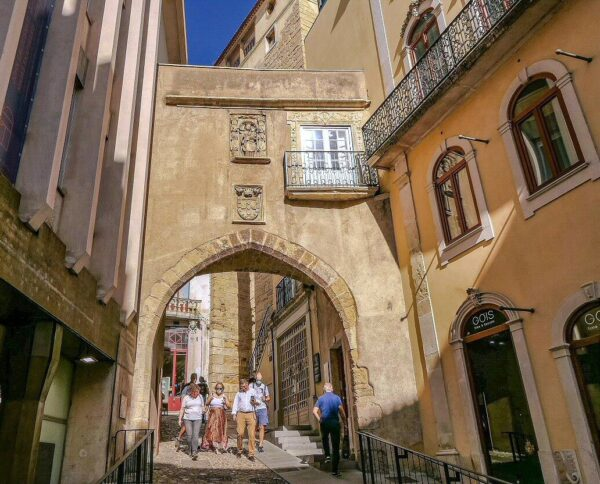 Rincón del centro histórico de Coimbra en Portugal