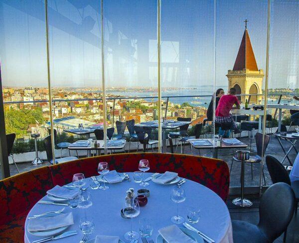 Restaurante 360 en barrio Beyoglu de Estambul