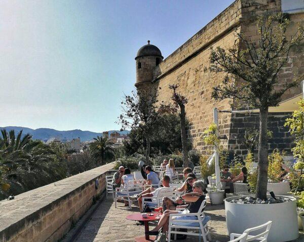 Terraza mirador de Es Baluart en Palma en Mallorca