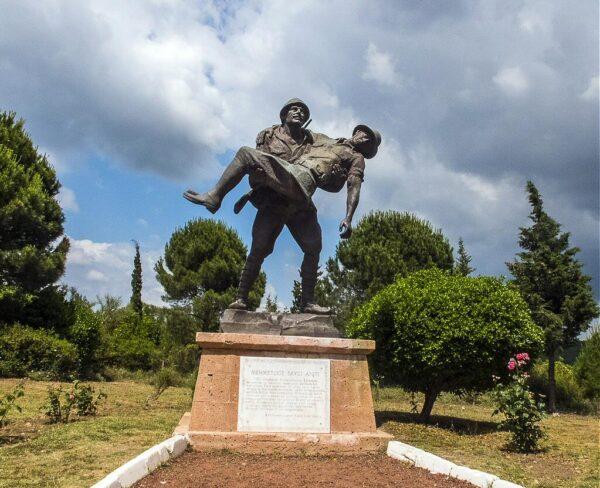 Monumento al Pequeño Mehmet en Galípoli en Turquía