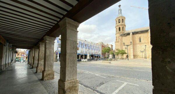 Iglesia de la Asunción en la plaza de España de Valdepeñas en Ciudad Real