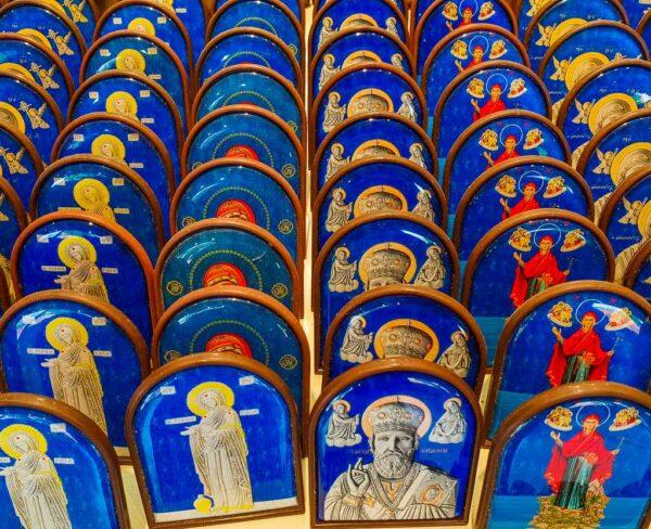 Recuerdos en tienda junto a la Iglesia de San Nicolás en Demre