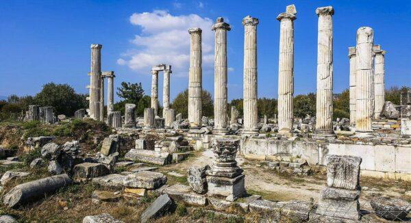 Templo de Afrodita en Afrodisias en costa del Egeo en Turquía