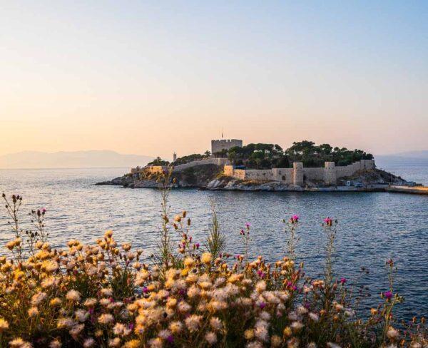 Kusadasi en la costa turca del mar Egeo