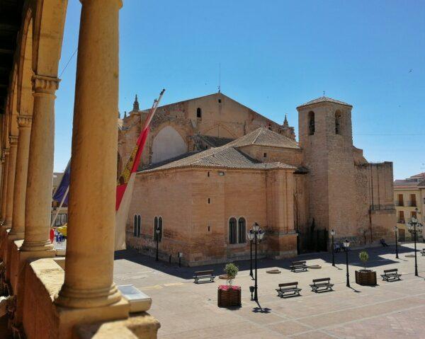 Iglesia de San Blas desde la Casa Consistorial de Villarrobledo