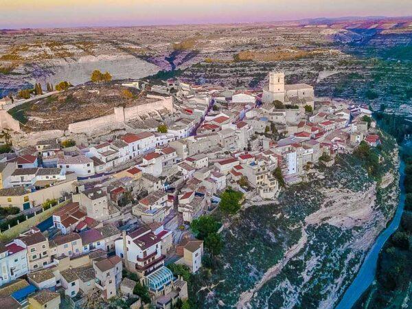 Jorquera en las Hoces del Río Júcar en Albacete