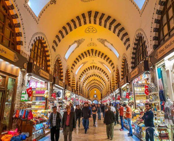 Gran Bazar Egipcio en Eminönü en Estambul