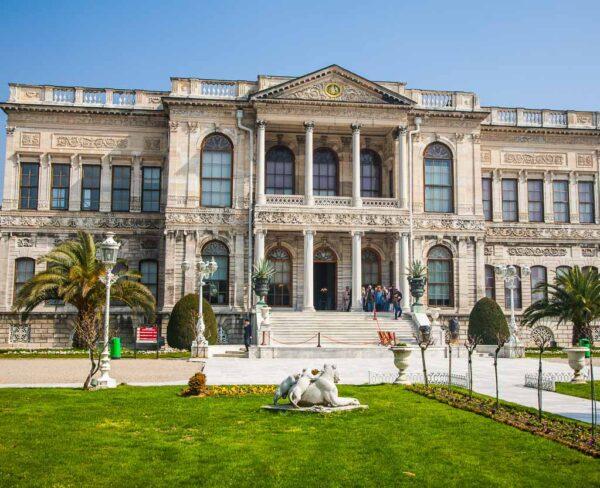 Palacio Dolmagahçe en Estambul