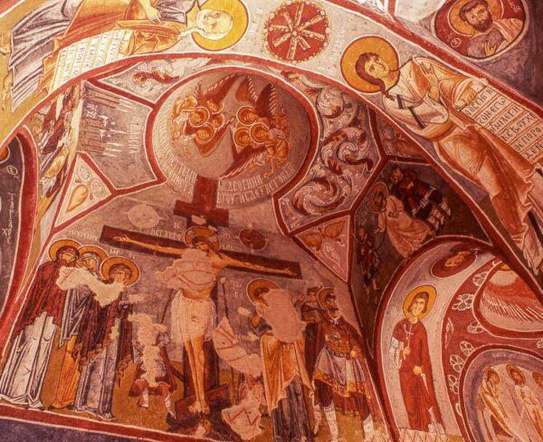 Frescos de iglesia rupestre en Capadocia en Turquía