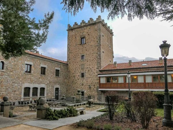 Palacio de don Juan Henao, Parador Nacional de Ávila