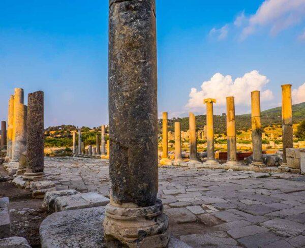 Restos de la antigua ciudad licia de Patara en Riviera Turca de Turquía