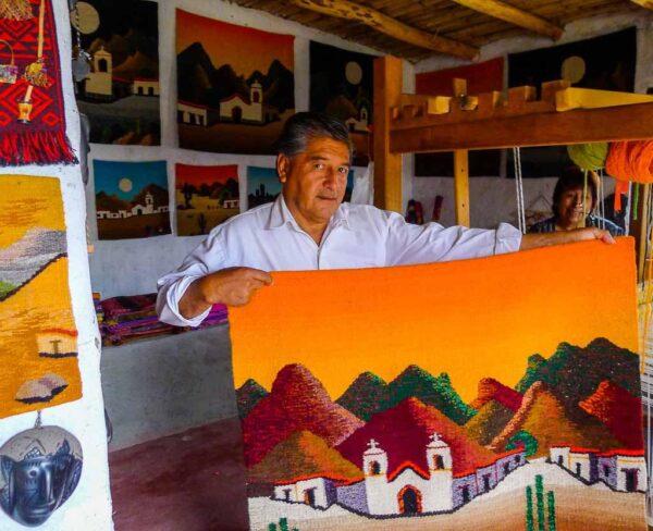Artesano en Tafí del Valle cerca de Tucuman en Argentina