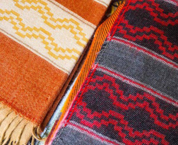 Tejidos artesanos en Tilcara en Argentina