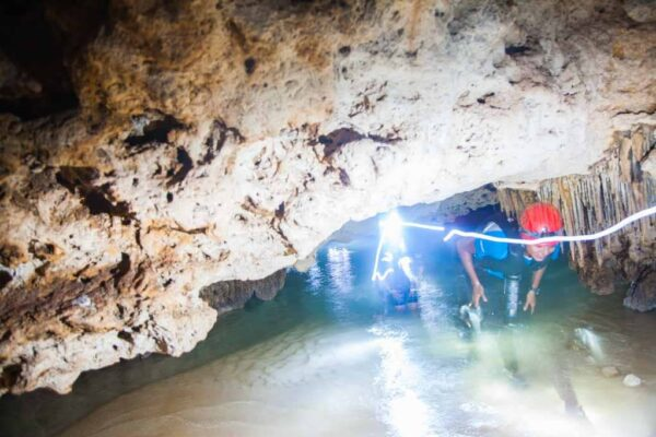 Río Secreto en Riviera Maya en México