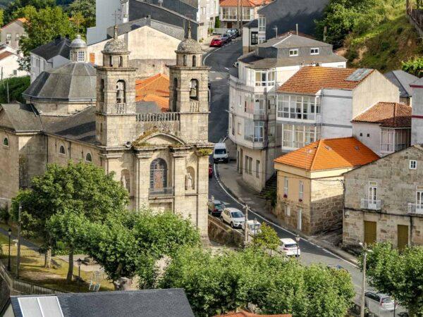 Santuario de los Remedios en Castro Caldelas en Ribeira Sacra