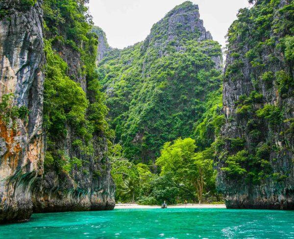 """Escenario de películas """"La Playa"""" en Phi Phi Leh en Tailandia"""