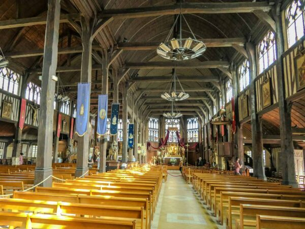 Iglesia de Santa Catalina en Honfleur en Normandía